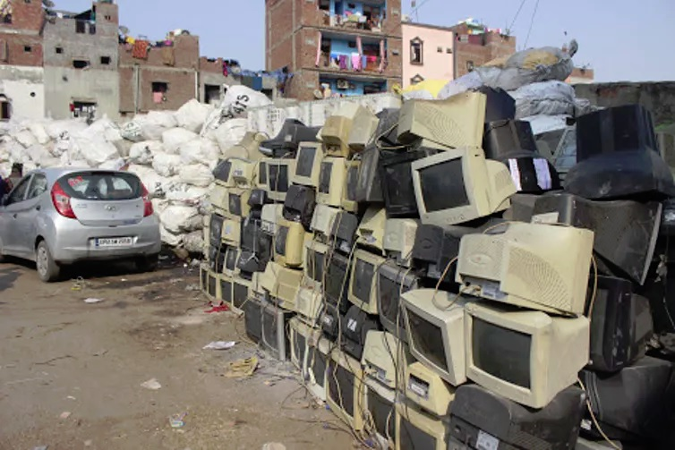 computers technology in street